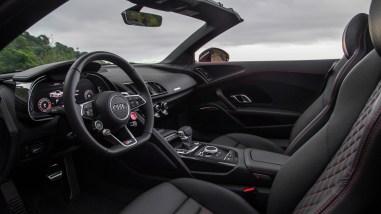 Audi R8 V10 Spyder Cockpit