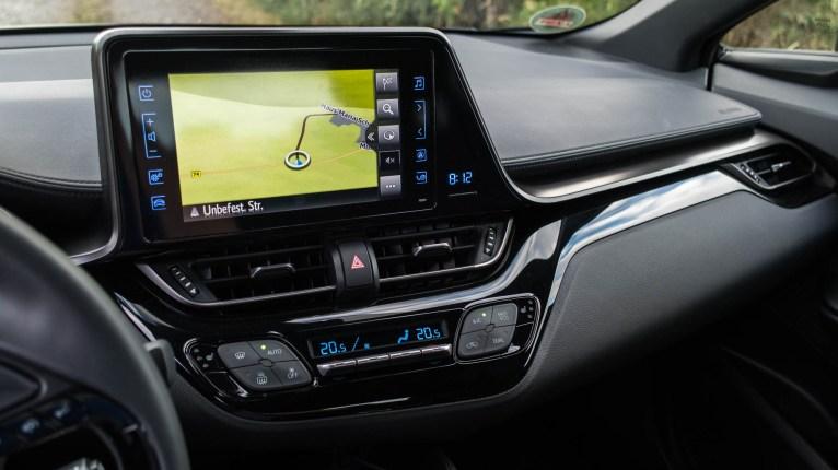 Toyota C-HR Hybrid 4x2 Innenraum und Infotainment
