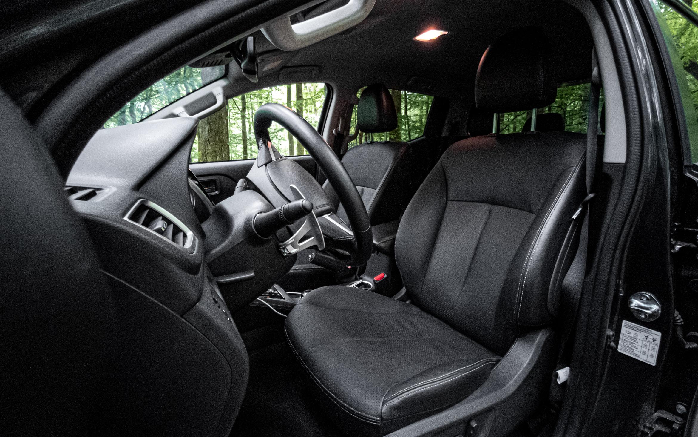 Mitsubishi L200 Cockpit Interieur