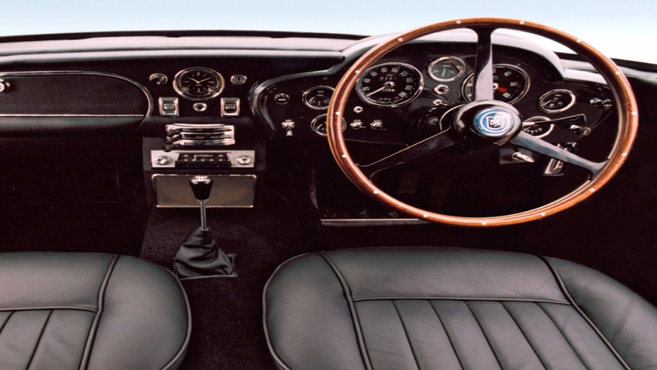 Aston Martin int.