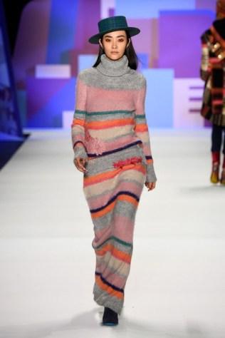 r97btp-l-610x610-dress-sweater-oversizedsweater-sweaterdress-stripeddress-knitwear-falloutfits-runway-fashionweek2016-nyfashionweek2016