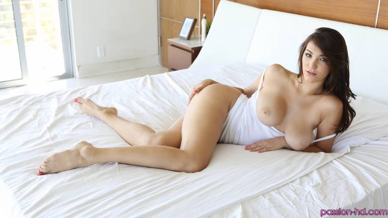 Passion HD Holly Michaels in Walk into Sex 4