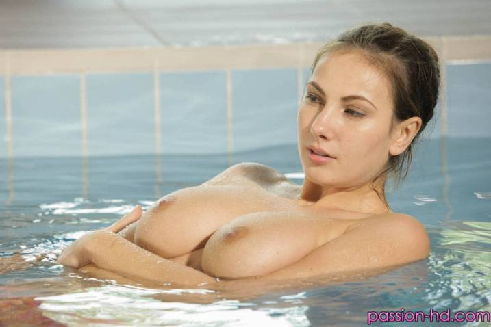 Passion Hd Conny Carter in Skinny Dipping 1