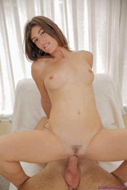 Passion Hd Julia Roca in Returning Home 15