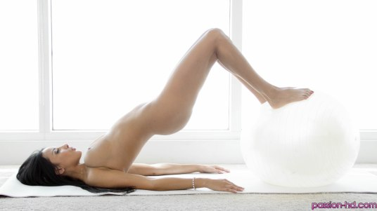 Passion Hd Anissa Kate in Naked Yoga Ball Exercise 17