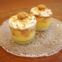 Trifle di pesche tabacchiere con crema al cioccolato bianco