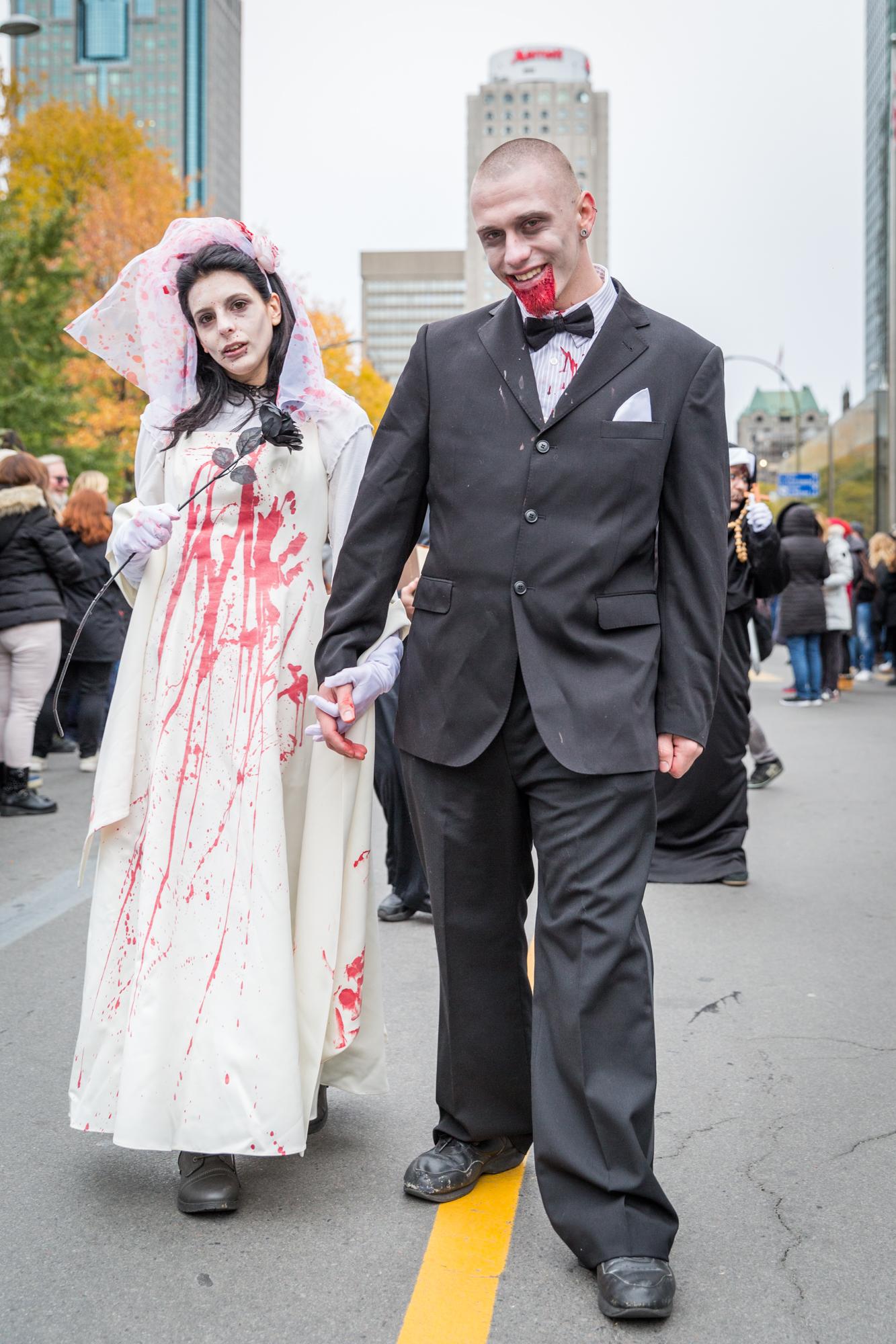 Photo : la Marche des zombies à Montréal Mariés