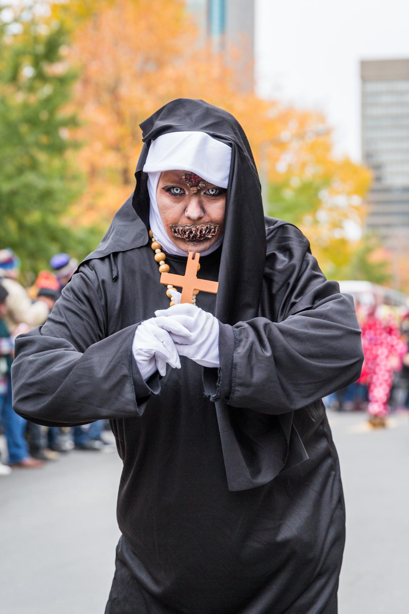 Photo : la Marche des zombies à Montréal Bonne sœur