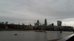 Die Aussicht von der Millenium-Brücke