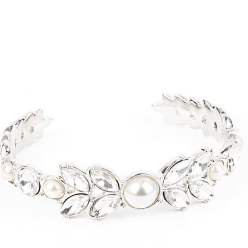 Royalty Reminiscence White Bracelet