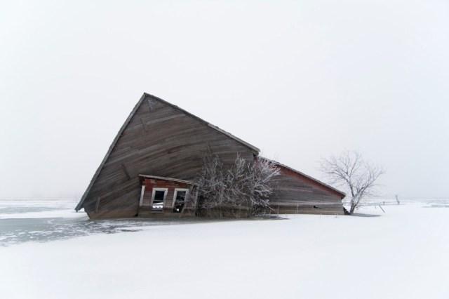 17-Paul-Johnson-Passion-Passport-Photo-Essay-Devils-Lake-North-Dakota-Barn