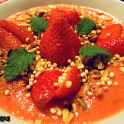 Strawberry-nectarine smoothie bowl