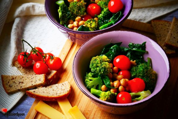 Spinach broccoli salad bowl