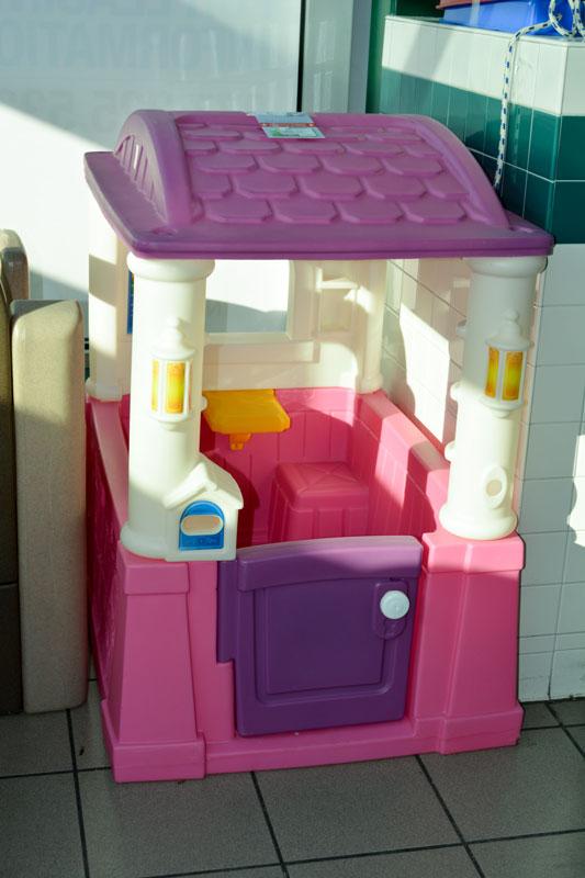 outdoorhouse-pinkpurple