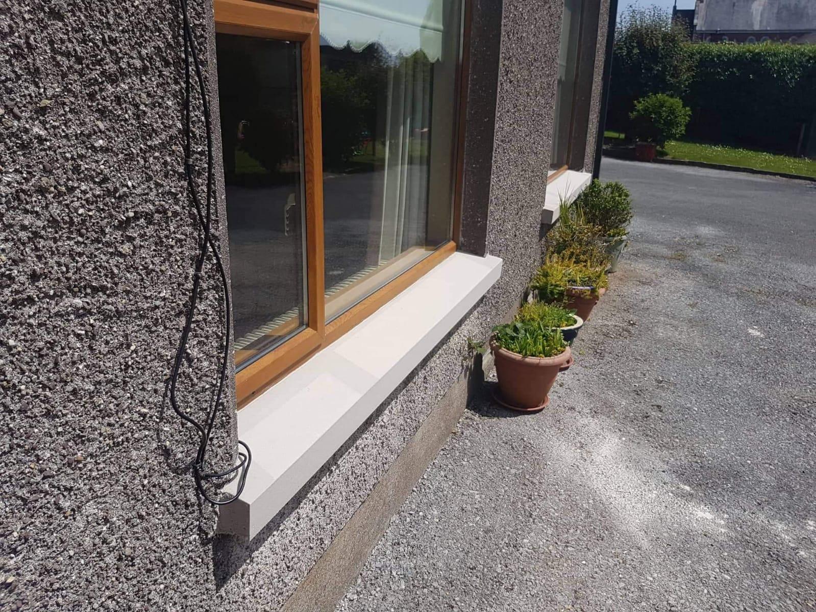 Installed sandstone oversill