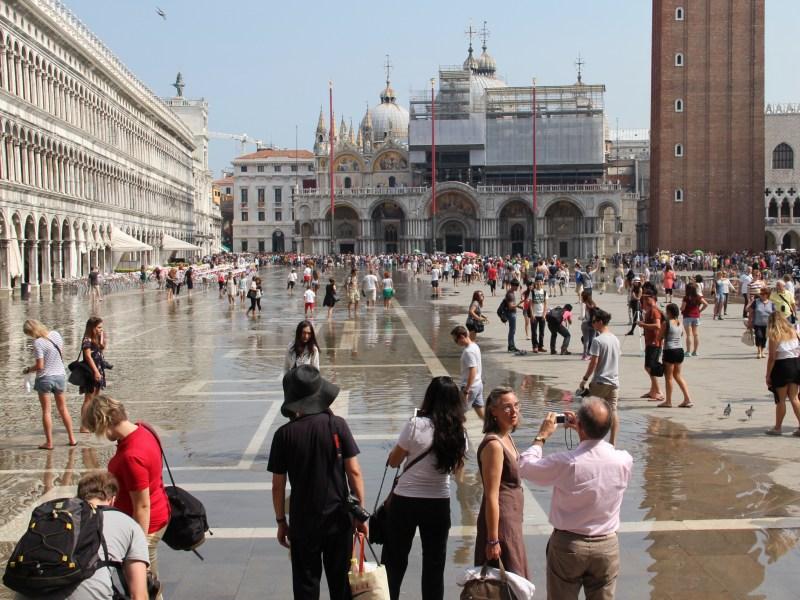 Acqua alta phenomenon in Venice