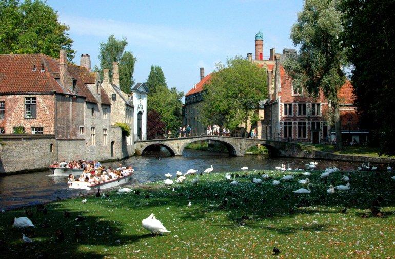 Bruges Canals - A Travel Guide to Bruges, Belgium