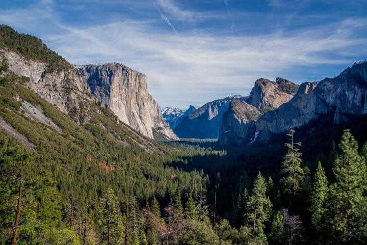 17 Easy Ways to Save Money on Travel - Tunnel View, Yosemite National Park, California, USA