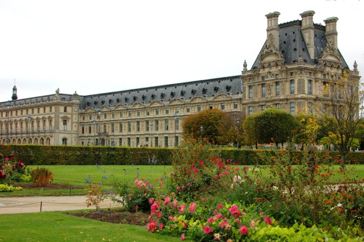 16 Cool Things to Do in Paris - Louvre, Paris