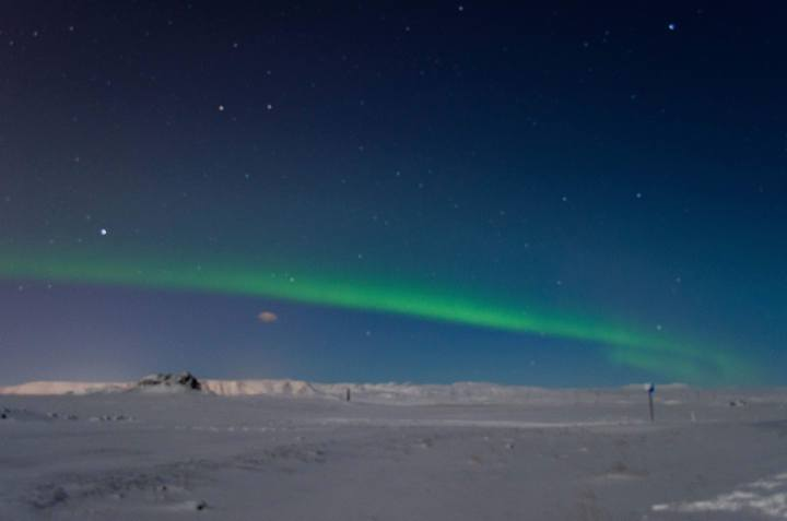 Iceland Budget: How Much Does a Trip to Iceland Cost? Northern Lights Aurora Borealis Iceland