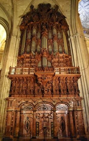Pipe organ in Seville's cathedral