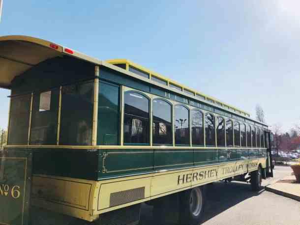 A green hershey trolley in Hershey PA