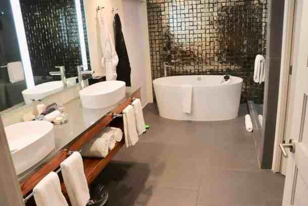 Sanctuary on Camelback Resort Suite bathroom