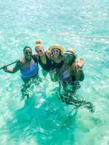 plan travel with friends on a Carnival Cruise Ship