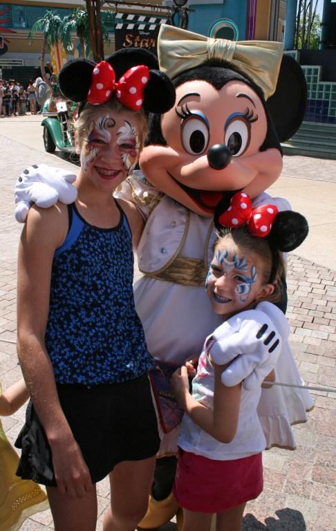 Meeting Minnie Disneyland Paris
