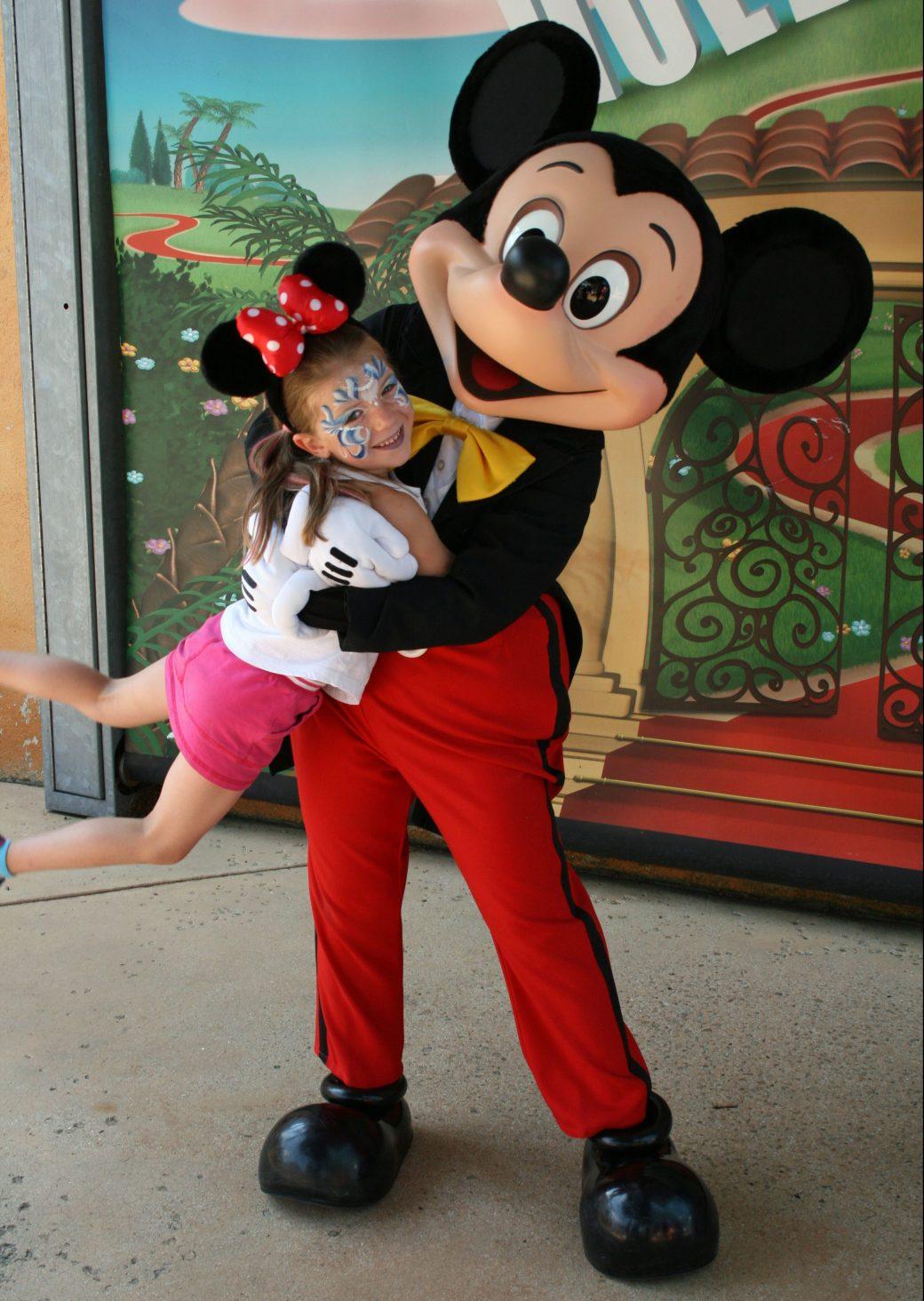 Fun with Mickey Mouse! Disneyland Paris