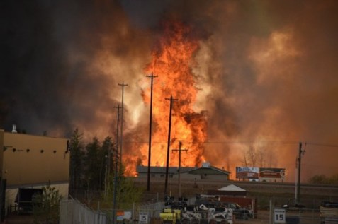 Ft MacMurray Fire, via @630CHED