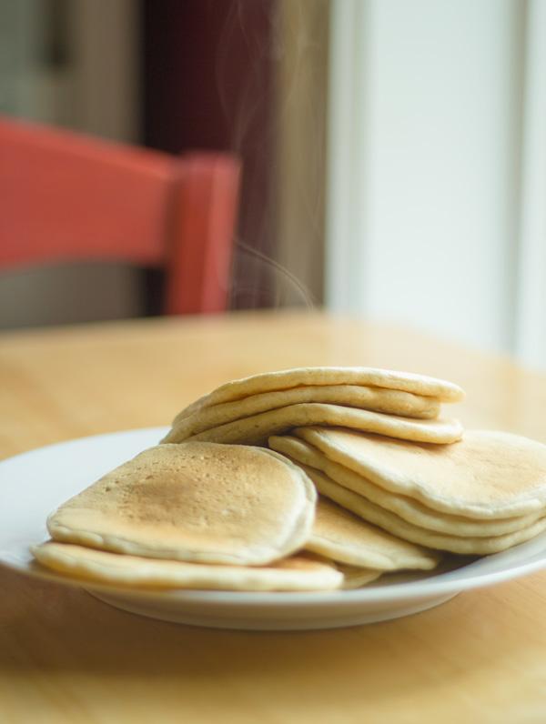 banana-coconut-stuffed-pancakes-2
