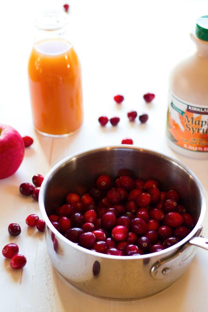 Simple Sugar-Free Cranberry Sauce