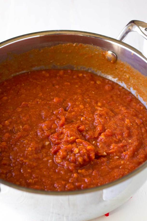 Protein-Packed Marinara Sauce - vegan, gluten-free, and packed with plants! | https://passtheplants.com