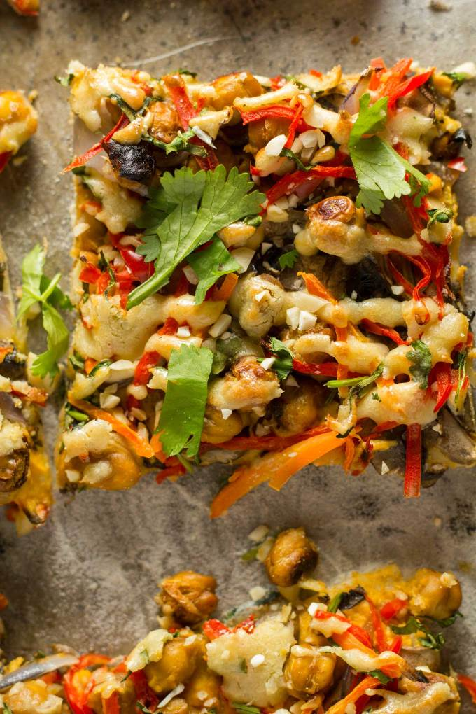 Vegan Thai Chickpea Pizza with Sweet Potato Peanut Sauce | https://passtheplants.com