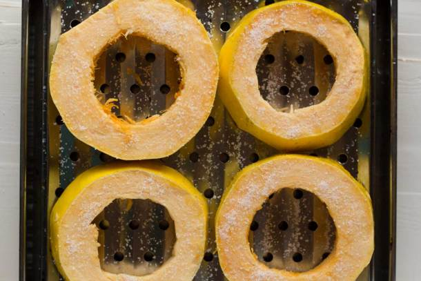 """How to cook spaghetti squash that actually looks like spaghetti! Foolproof method for perfectly long spaghetti squash """"noodles"""" that have a wonderful texture as well! 