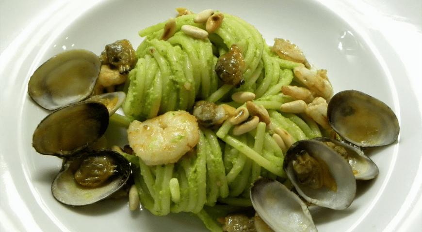 Spaghetti met Venusschelpen  en Pesto