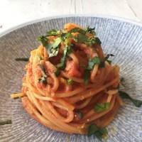 Spaghetti mit Tomaten-Ricotta-Sauce