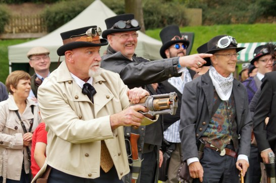 Steampunk Western shoot-out, shoot