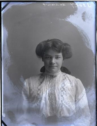 Miss H Andrews, 12 Jul 1911