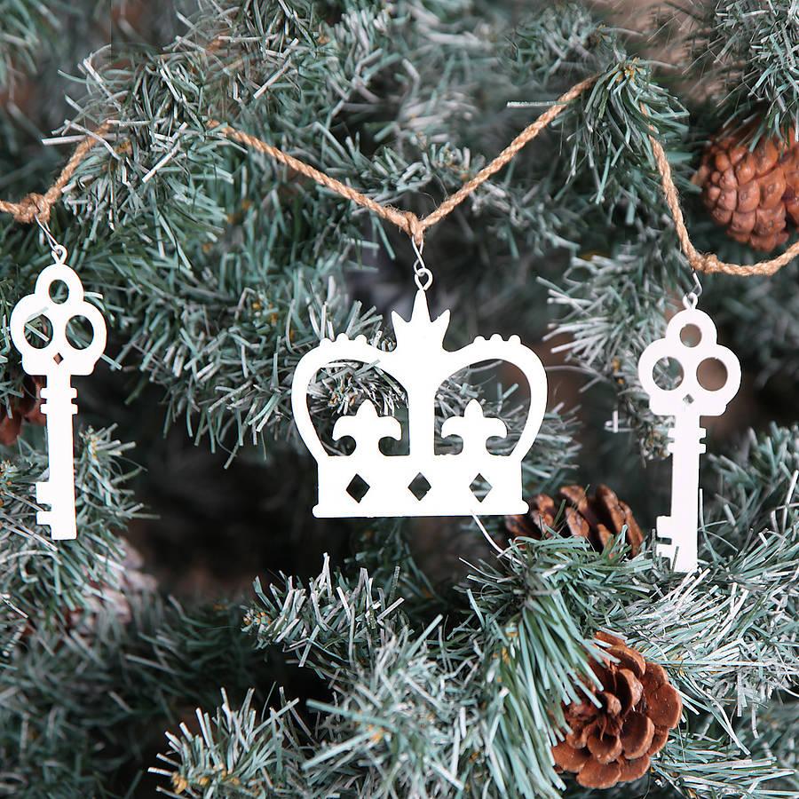 original_christmas-crown-and-key-garland