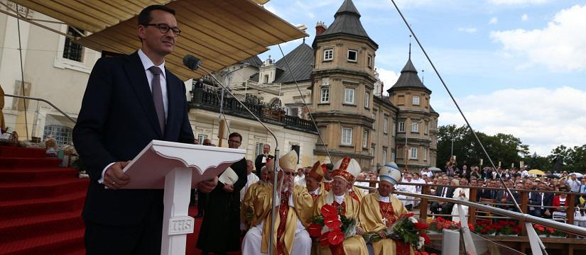 Premier Morawiecki zawierza kraj Czarnej Madonnie. Naszbrak reakcji jest grzechem