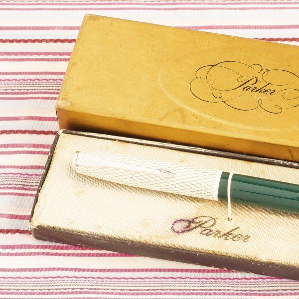 vintage parker 41 white enamel snake skin green aerometric fountain pen new old stock box