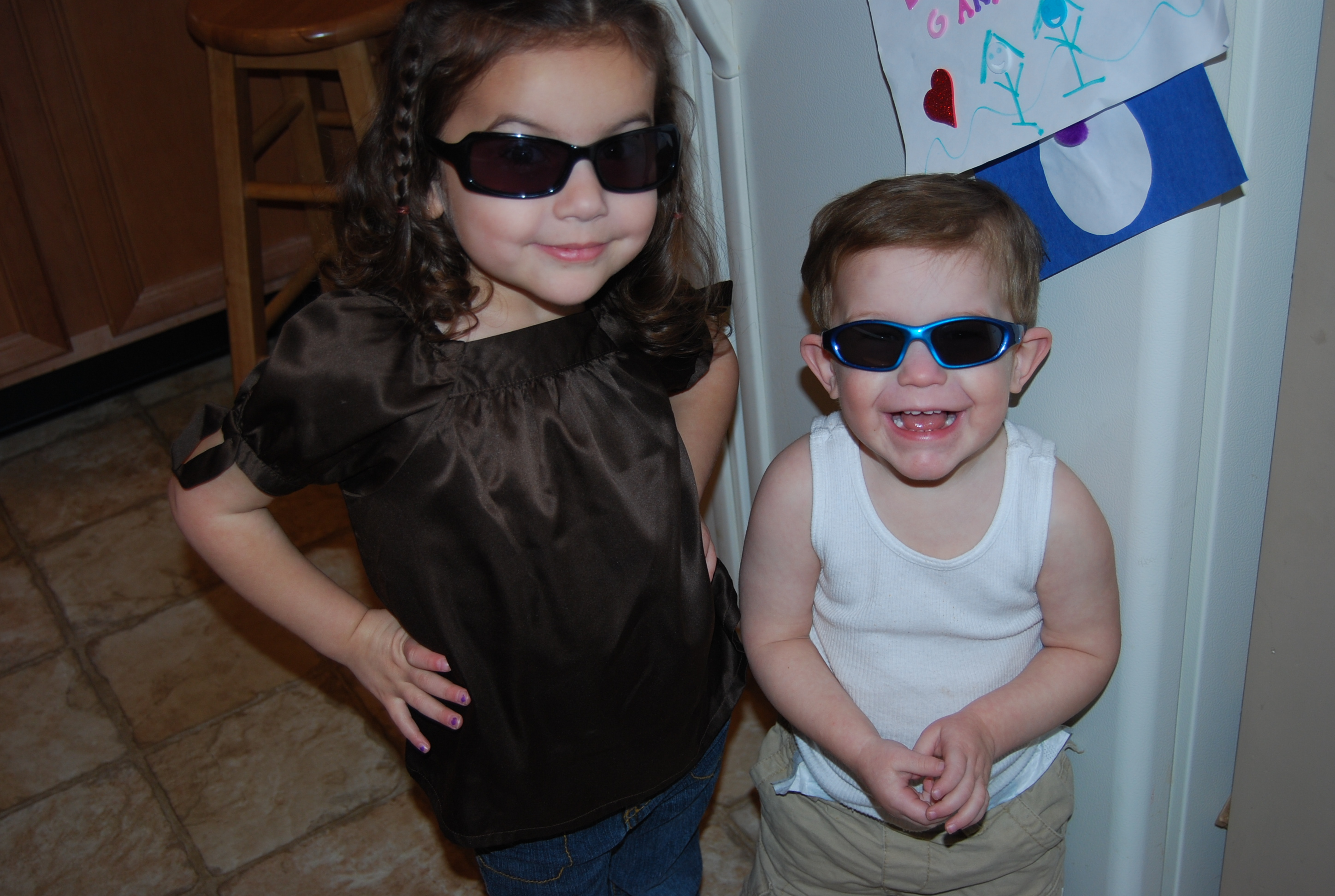 """Ava and Nicky celebrate Aunt Donna's """"Weekend with Shades"""" debut!"""