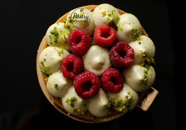 pistachio raspberry tartelettes