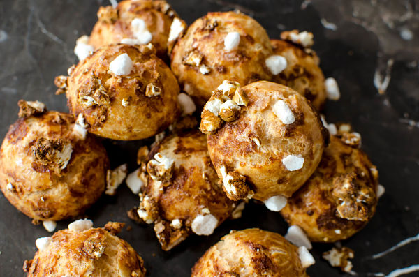 caramelized popcorn chouquettes