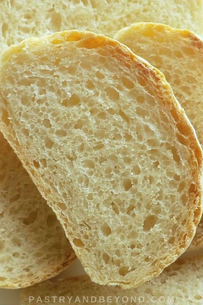 No knead white bread slice