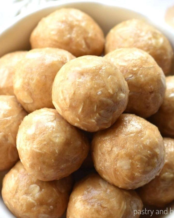 No bake peanut butter oatmeal balls in a bowl.