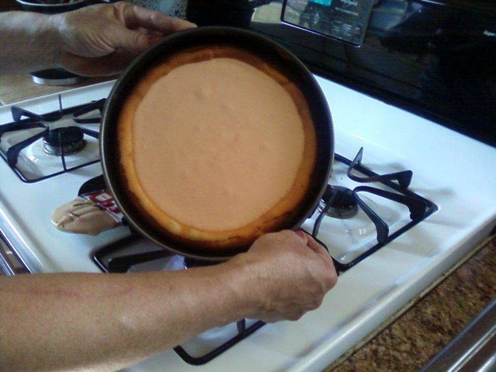 Creamsicle Cheesecake with a Sugar Cone Crust (6/6)