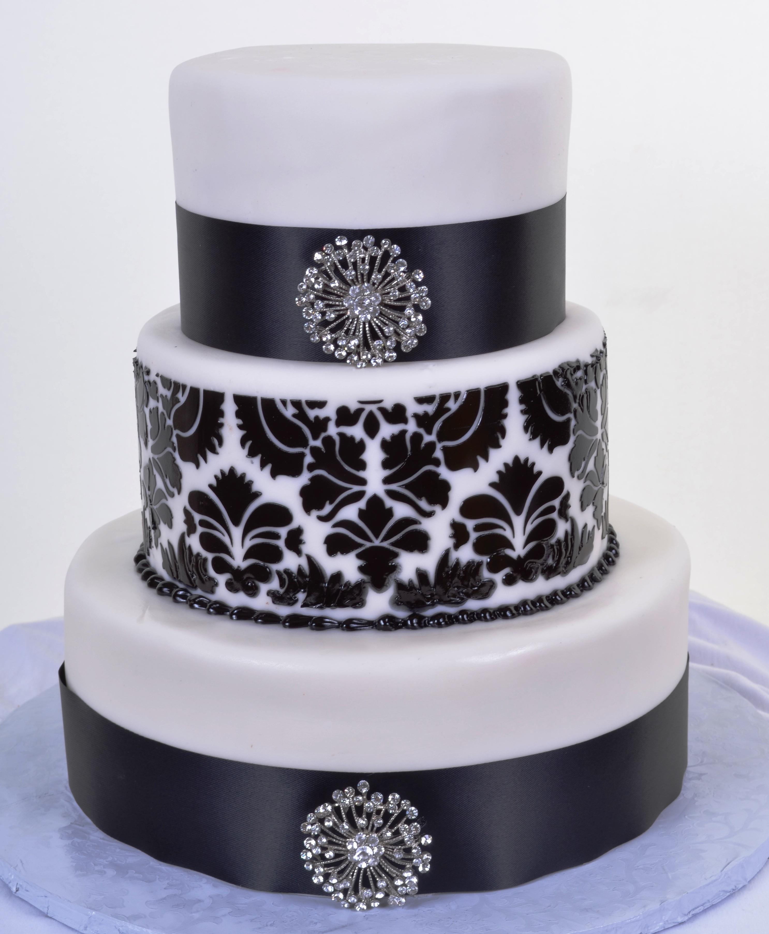 Black Amp White Wedding Cakes Wedding Cakes Fresh Bakery